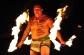 Interpretando un Luau, baile con fuego, Maui, Hawaii